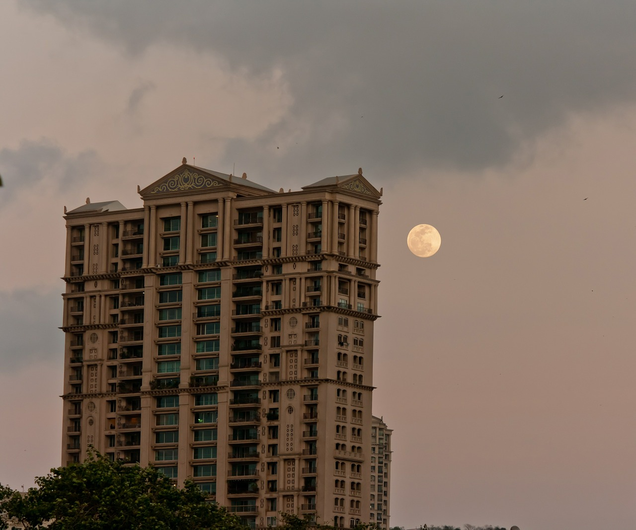 moon building india free photo