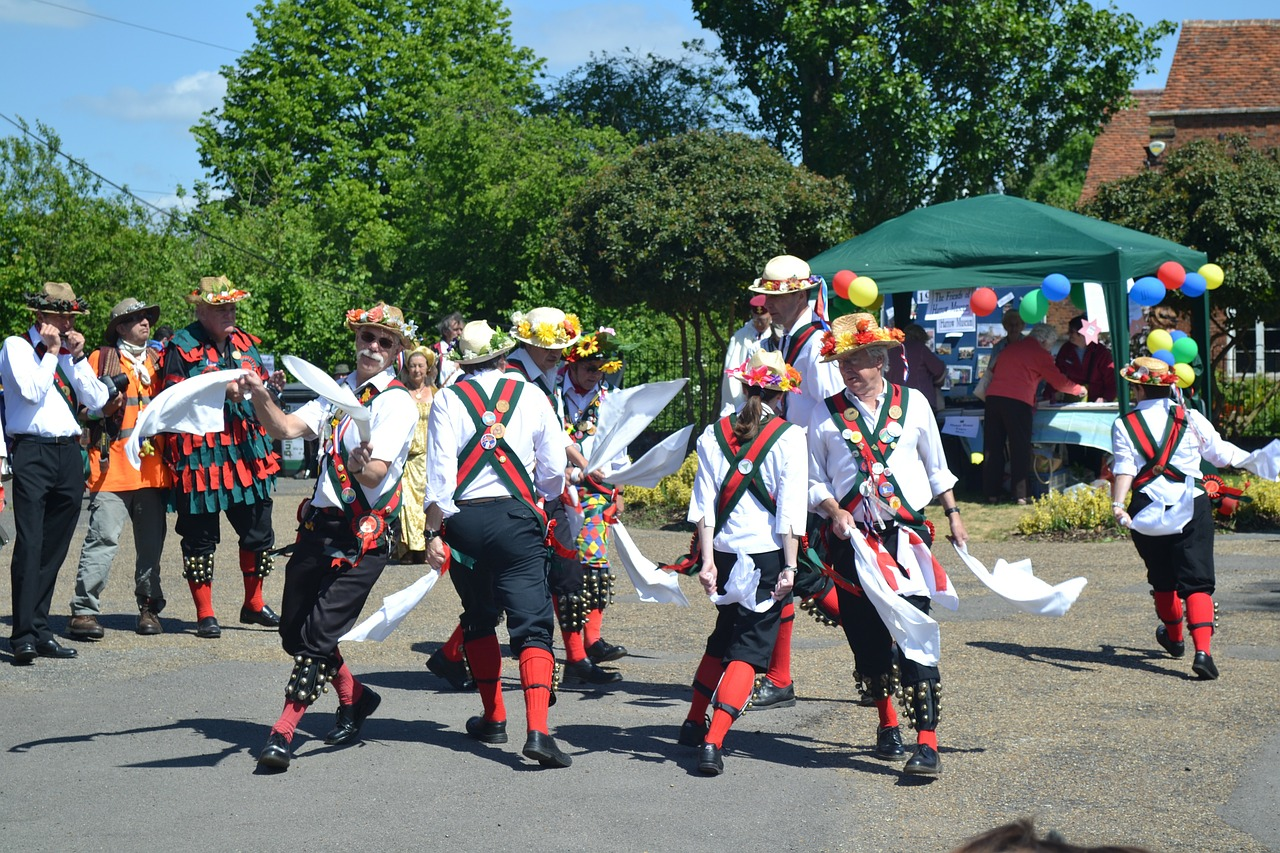 morris,dancing,men,outside,summer,ruislip,middlesex,outdoors,english folk dance,bell pads,mid-15th century,free pictures, free photos, free images, royalty free, free illustrations, public domain