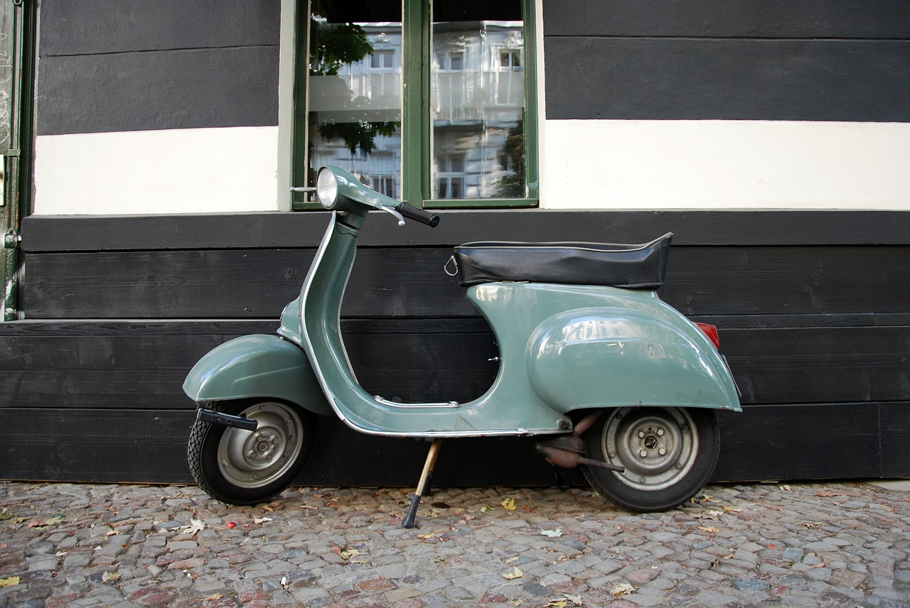 motor scooter vespa cult free photo