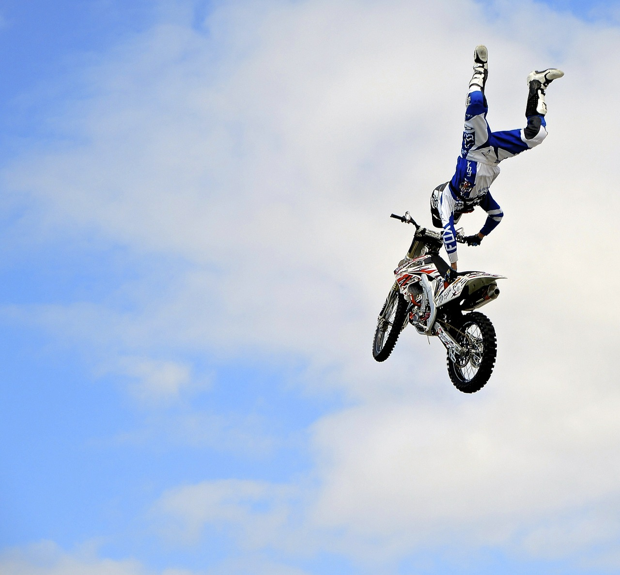 motorcycle stunt dirt bike free picture