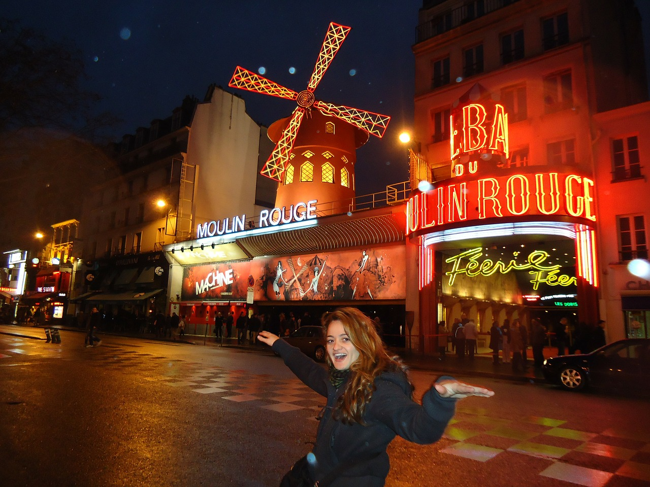 moulin rouge red free photo