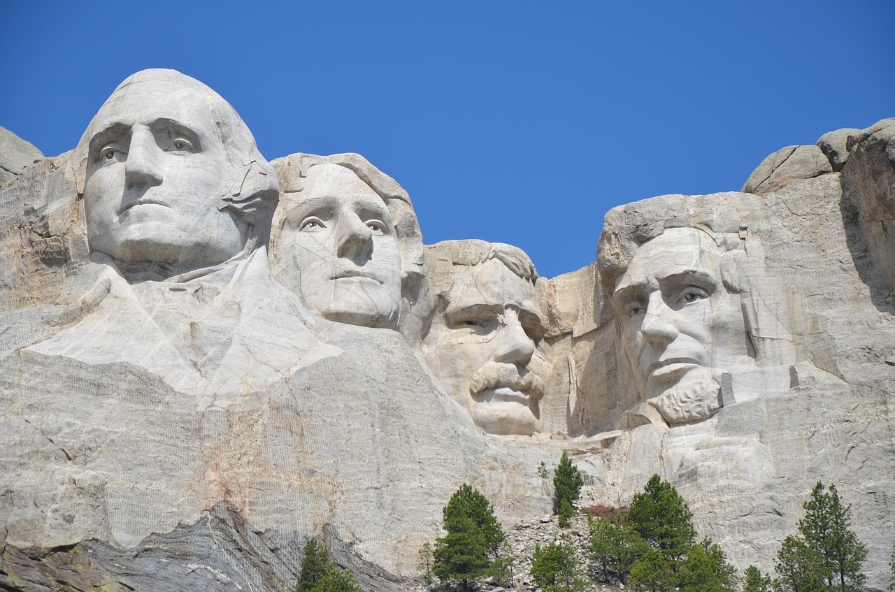 mount  rushmore  monument free photo