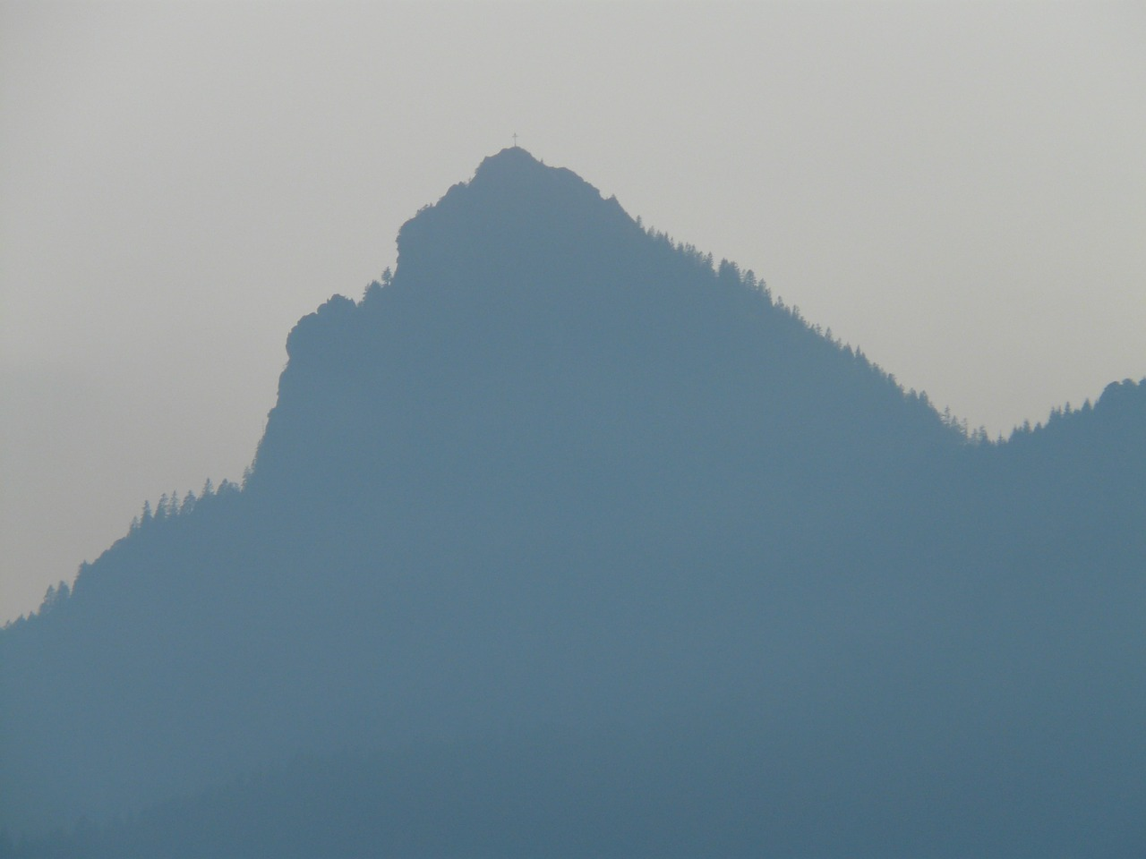 mountain,back light,haze,fog,ridge,summit,great,blue,free pictures, free photos, free images, royalty free, free illustrations, public domain