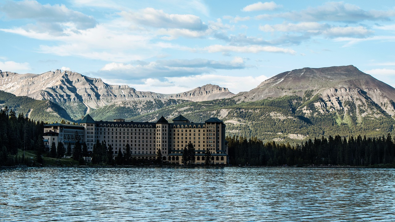 mountains hotel lake louise free photo