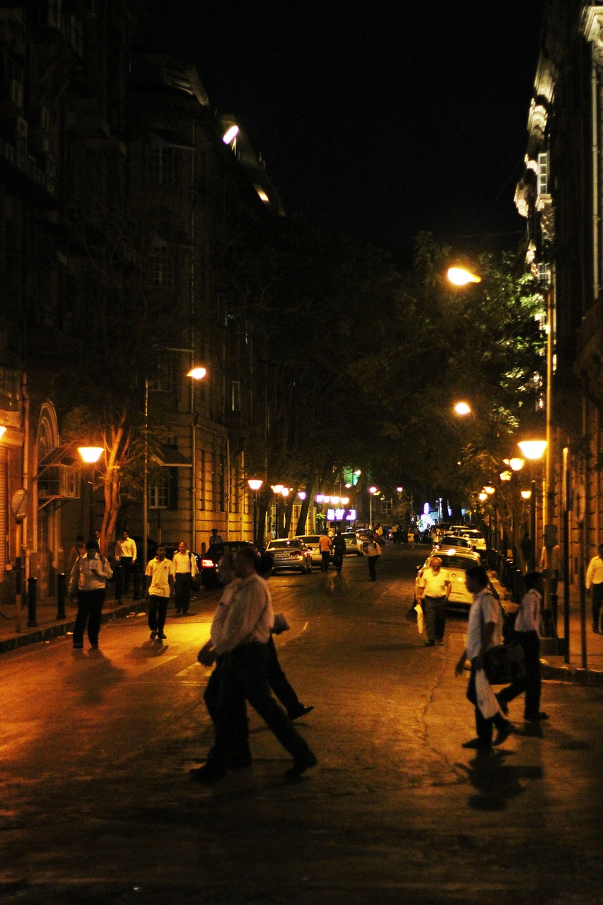 mumbai street night free photo
