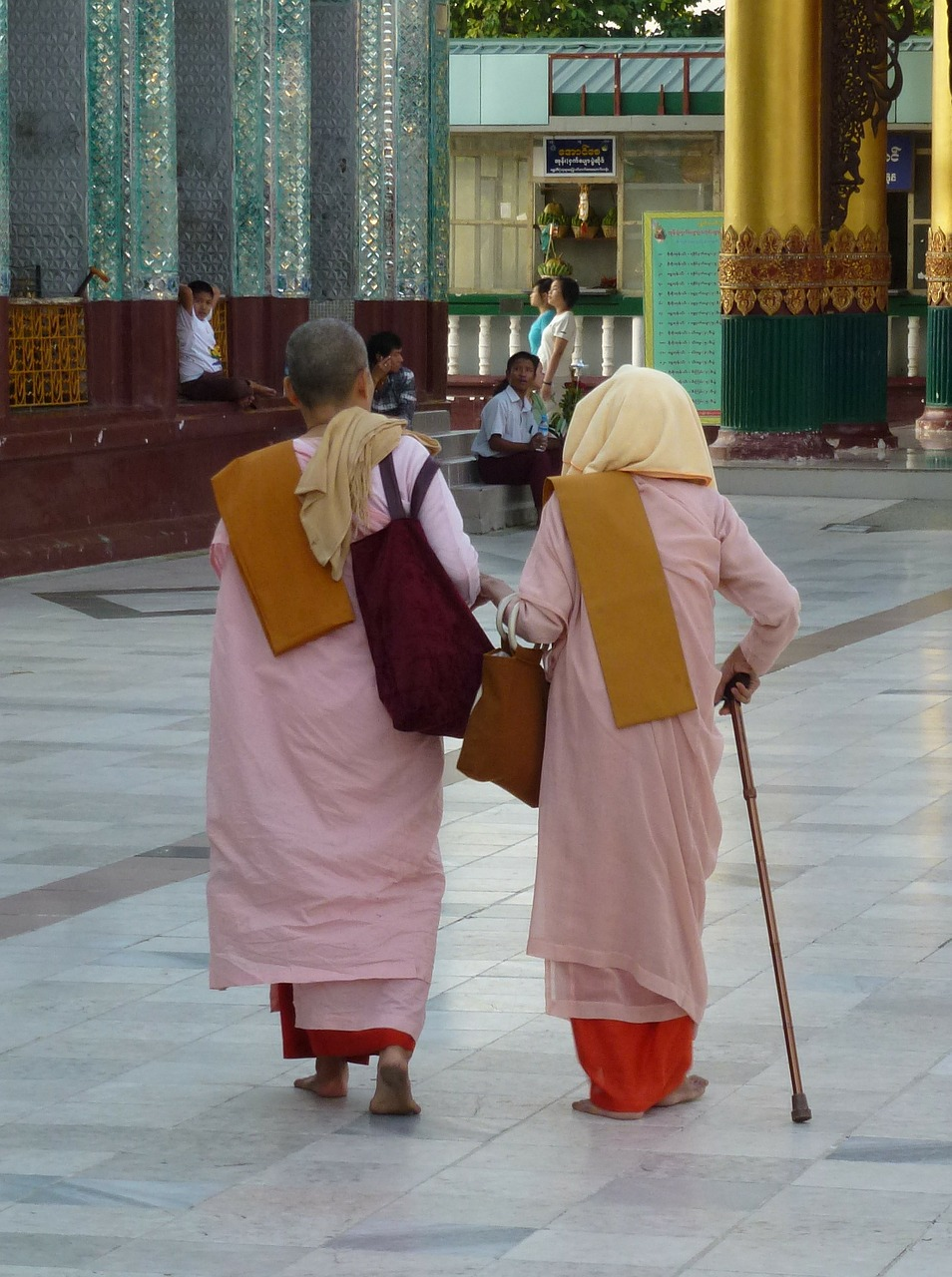 myanmar,nuns,buddhist,monk,asia,pagoda,religion,worshipers,free pictures, free photos, free images, royalty free, free illustrations