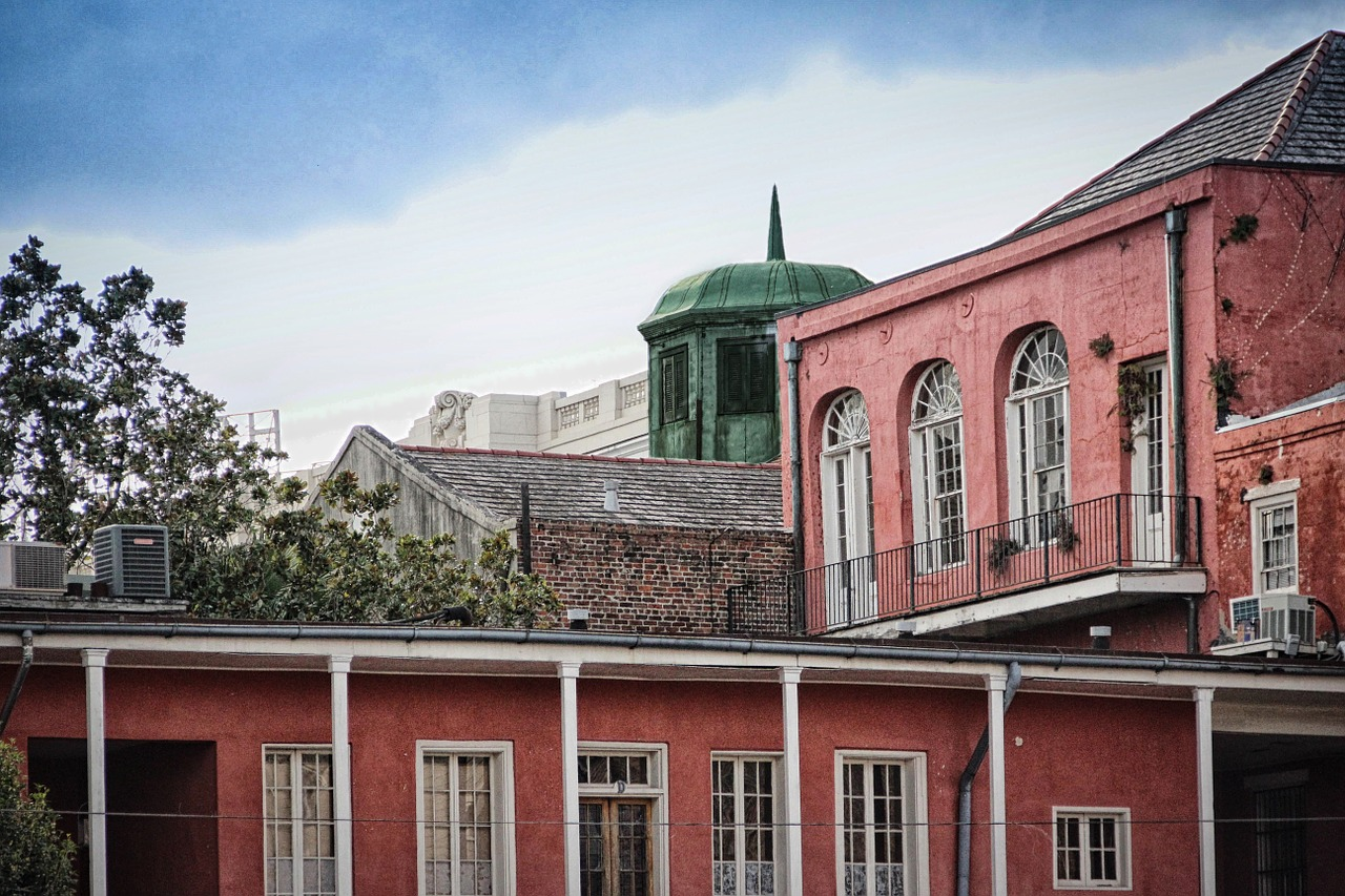 new orleans french quarter red free photo