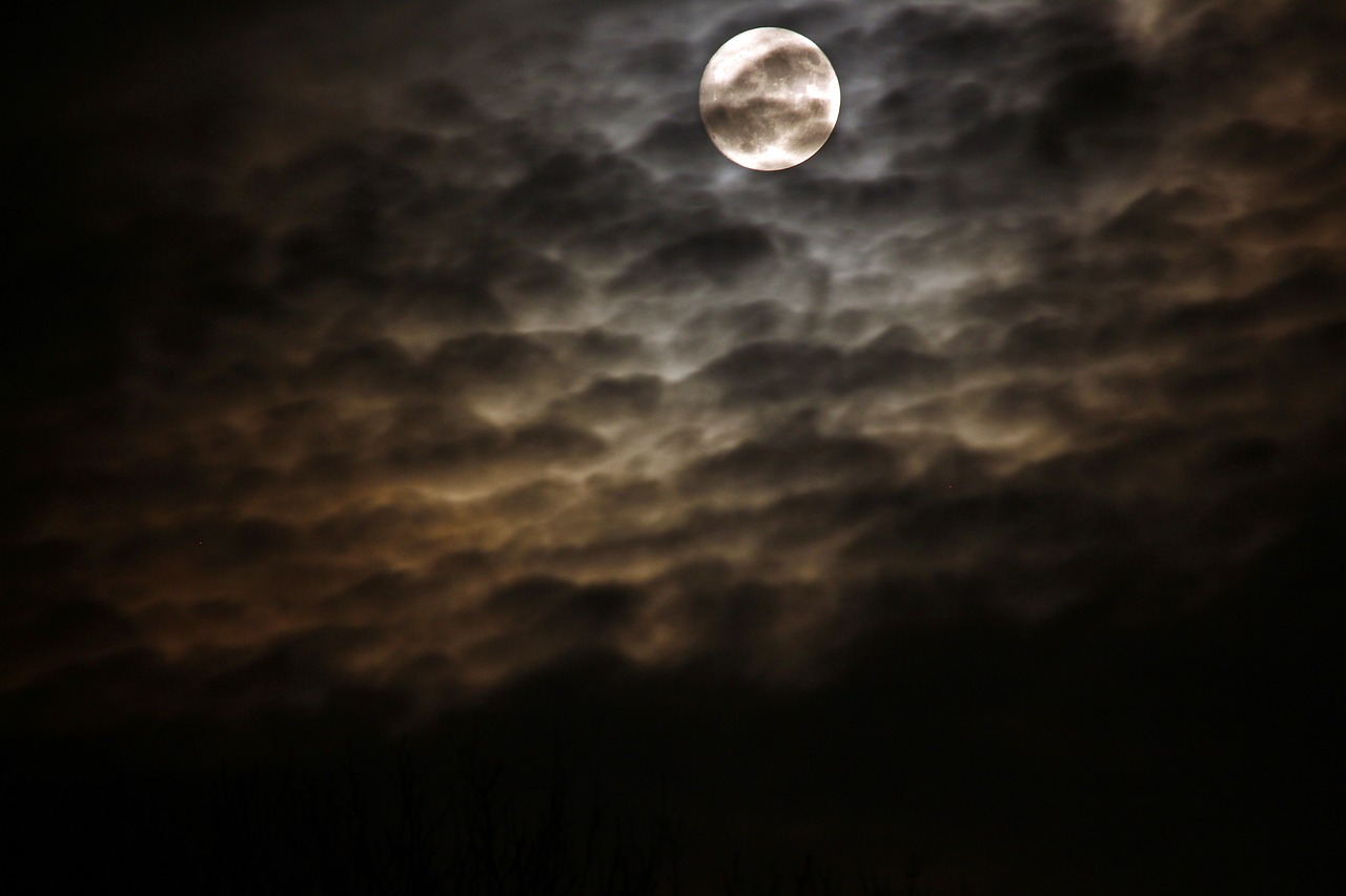 night full moon clouds free photo