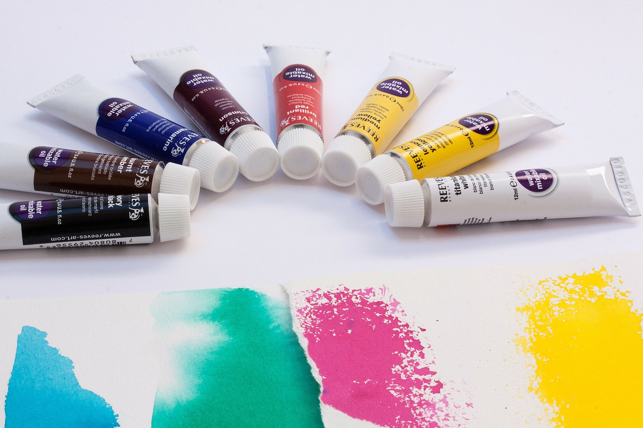 oil paints color soluble in water free photo