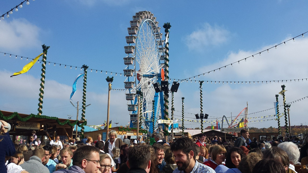 oktoberfest,munich,ferris wheel,oide wiesn oktoberfest,free pictures, free photos, free images, royalty free, free illustrations, public domain