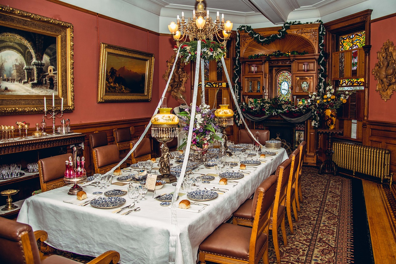 old  18 century  dining room free photo