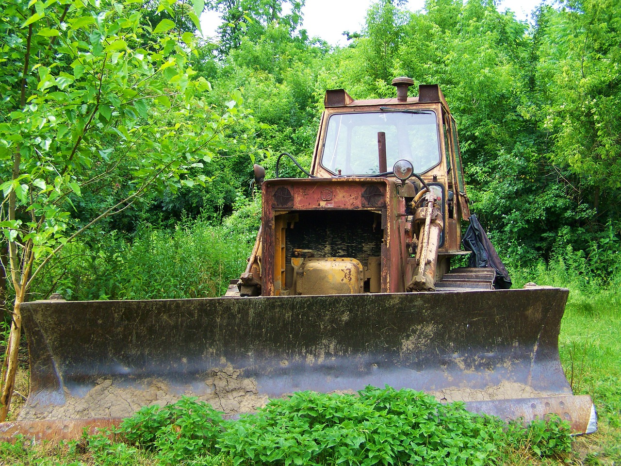 old crawler veteran oldtimer free photo