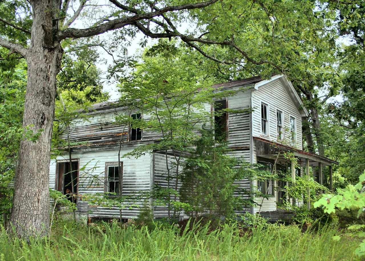 old house abandoned neglected