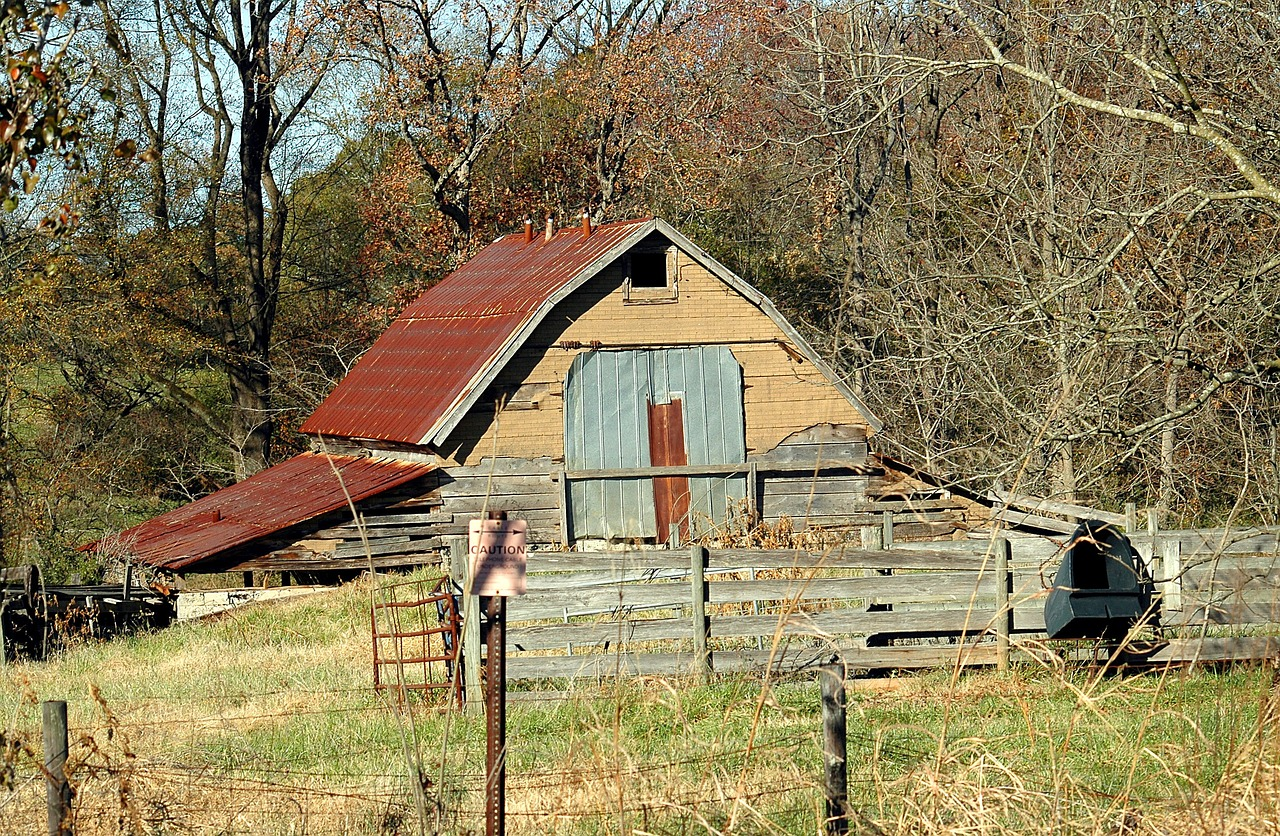old rustic shed barn shed grunge free photo