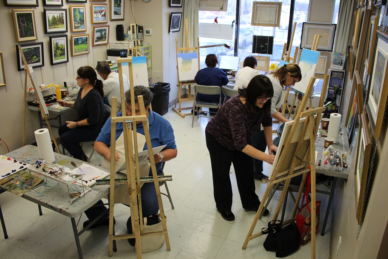 painting course easel free photo