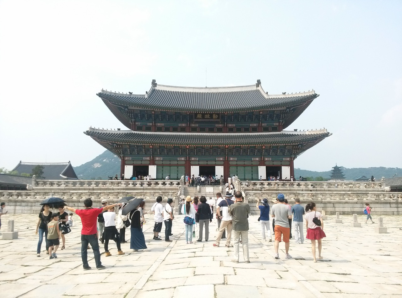palaces palace gyeongbok palace free photo