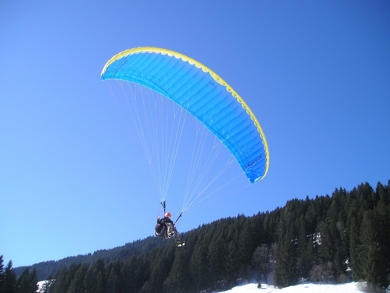 paragliding fly paraglider free picture