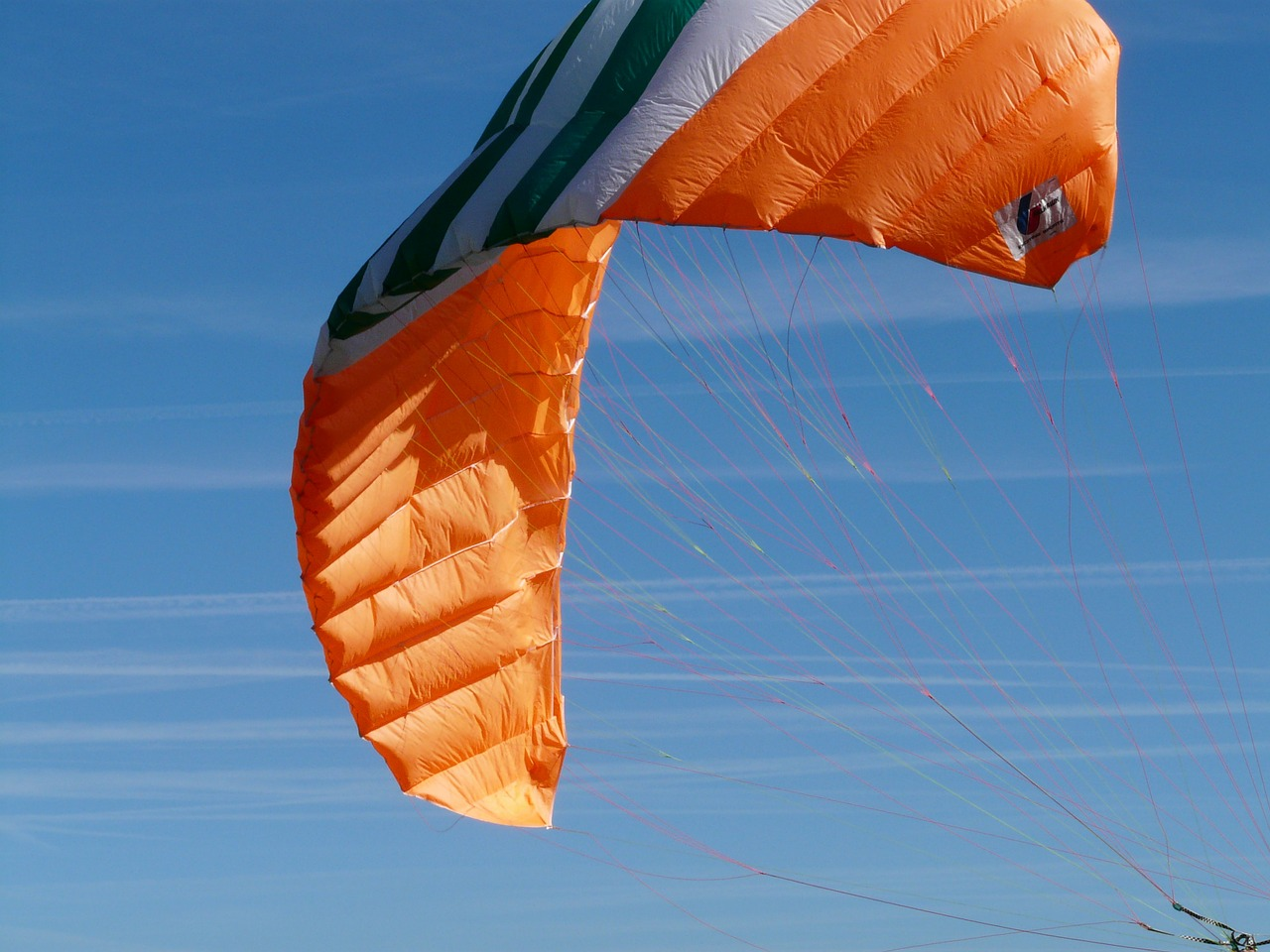 paragliding,air sports,orange,floating sailing,sliding gliding,sport,colorful,gaudy,sky,free pictures, free photos, free images, royalty free, free illustrations, public domain