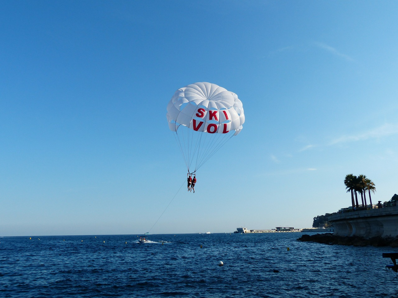 parasailing controllable parachuting high free photo