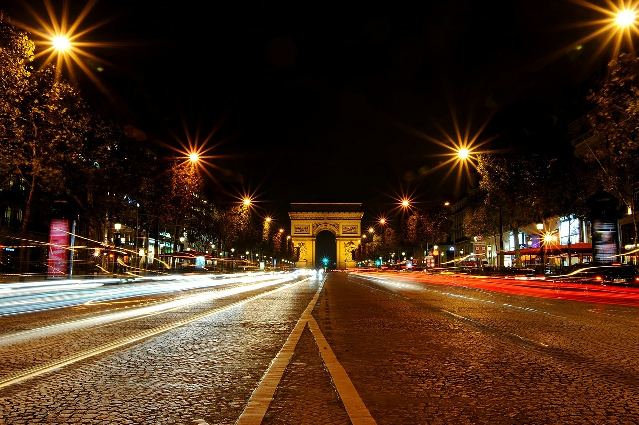 paris the arc de triomphe monument free photo