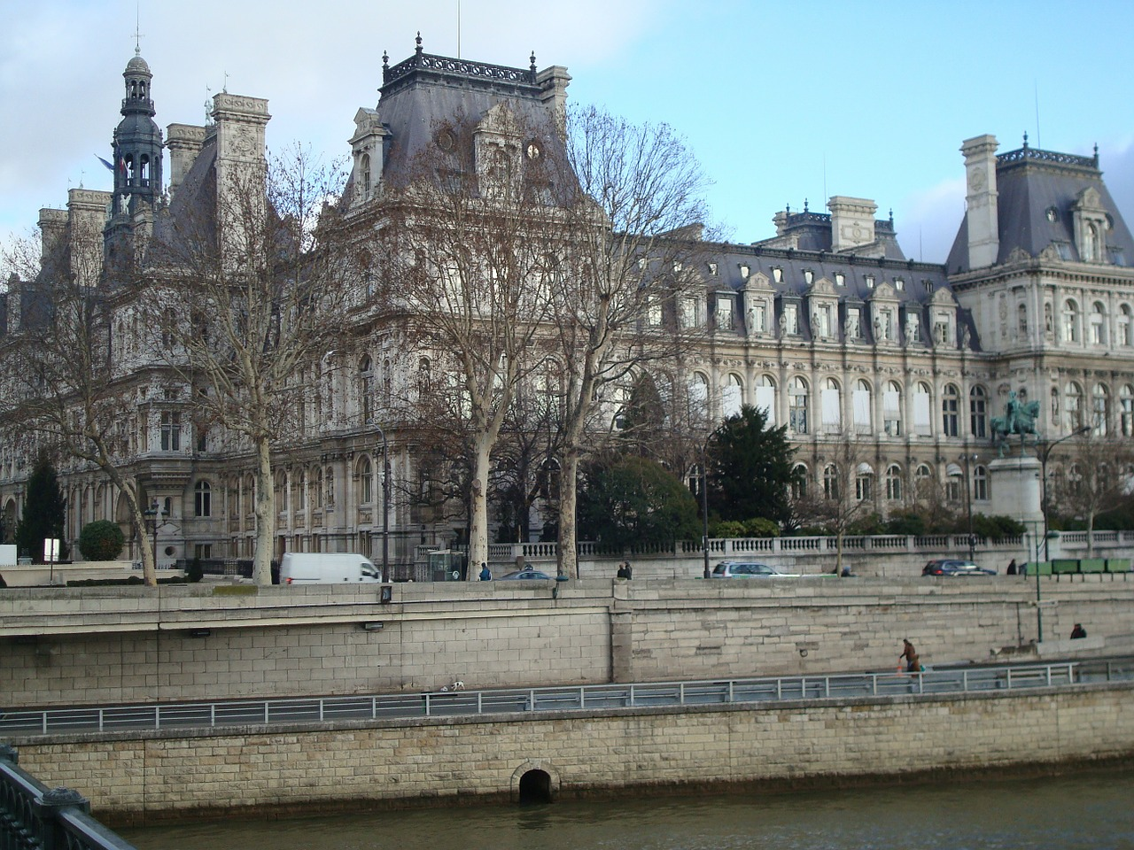 paris old architecture free photo