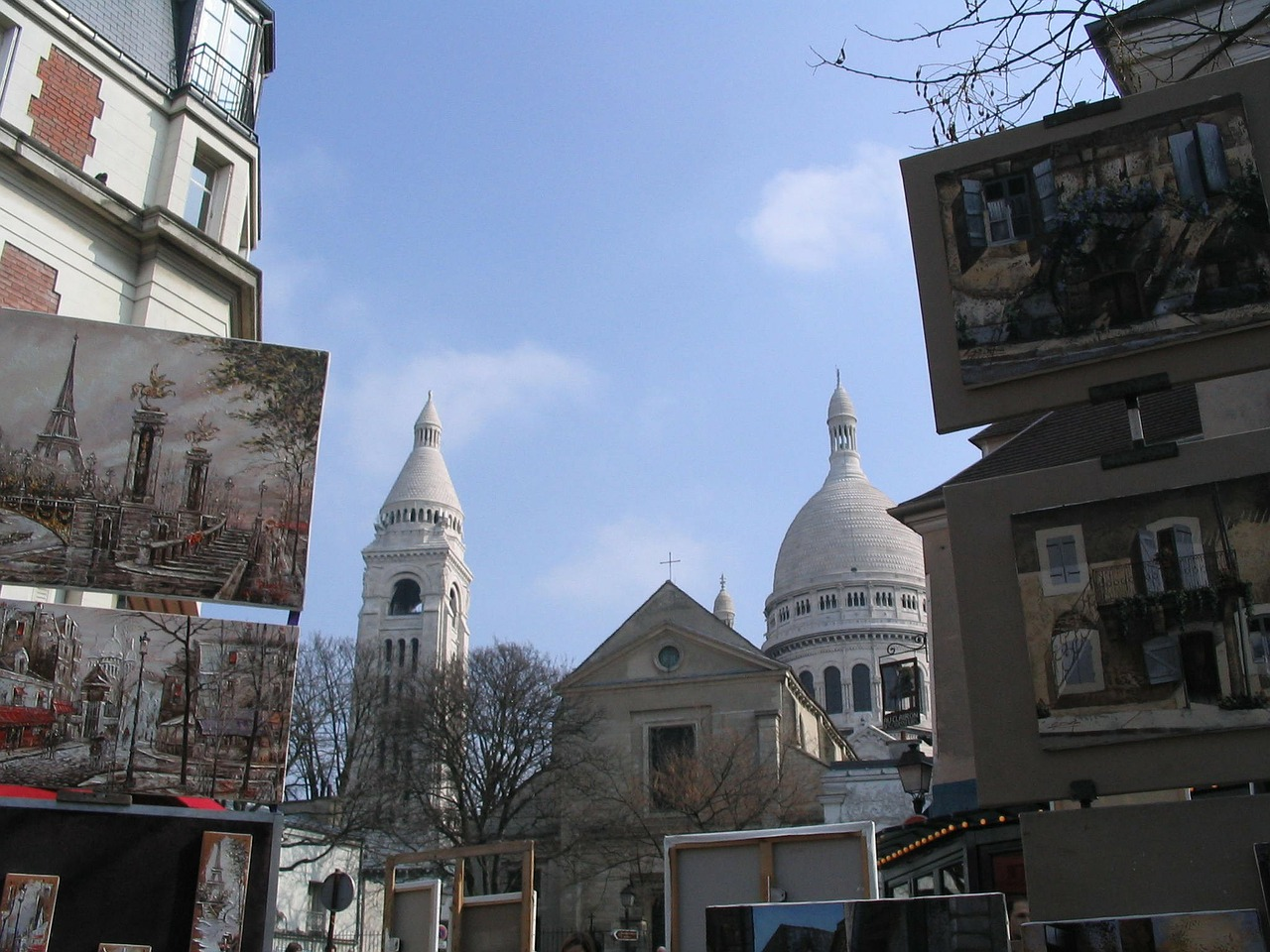 paris montmartre place du tertre free photo