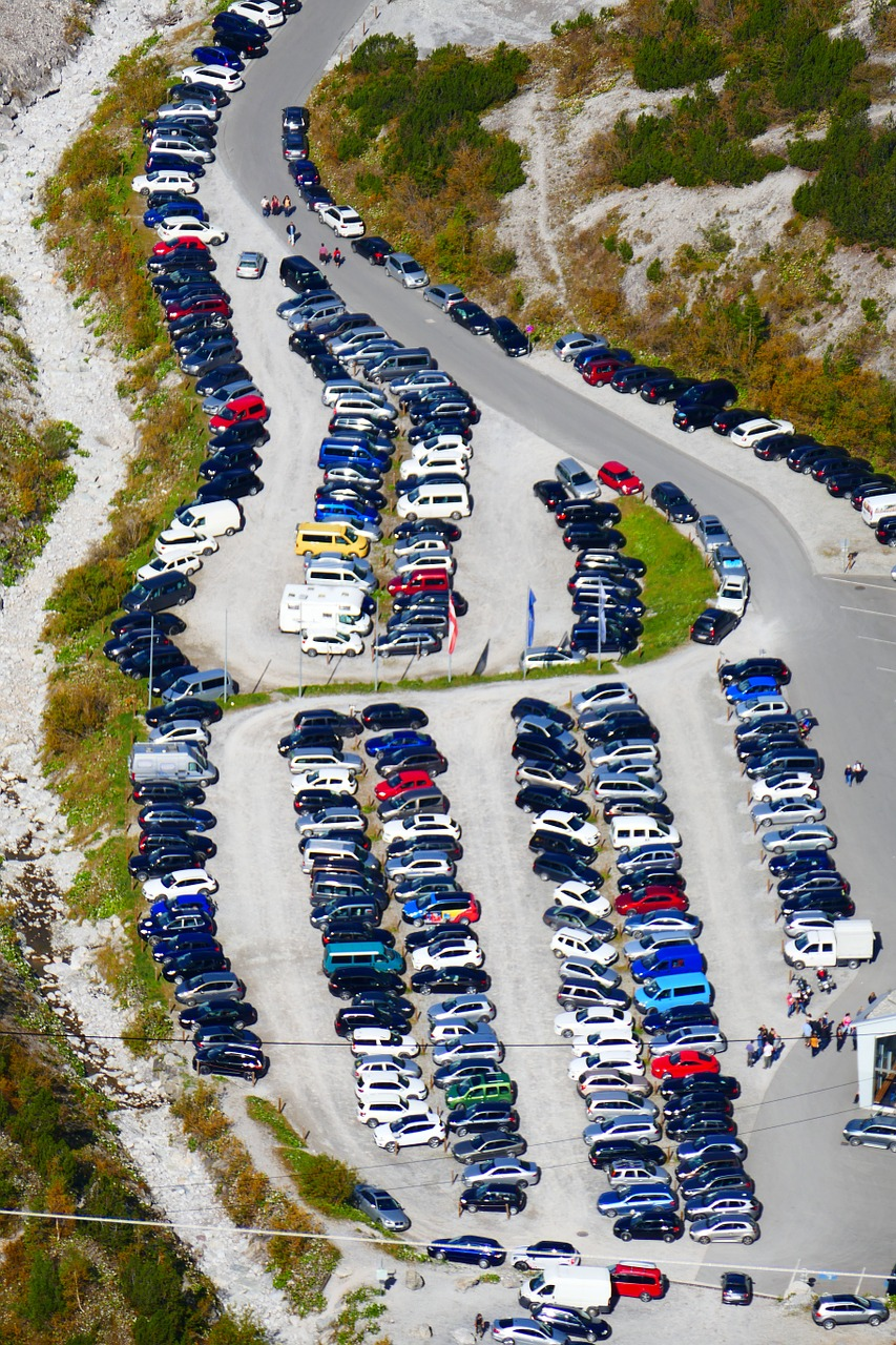 park parking crowded free photo