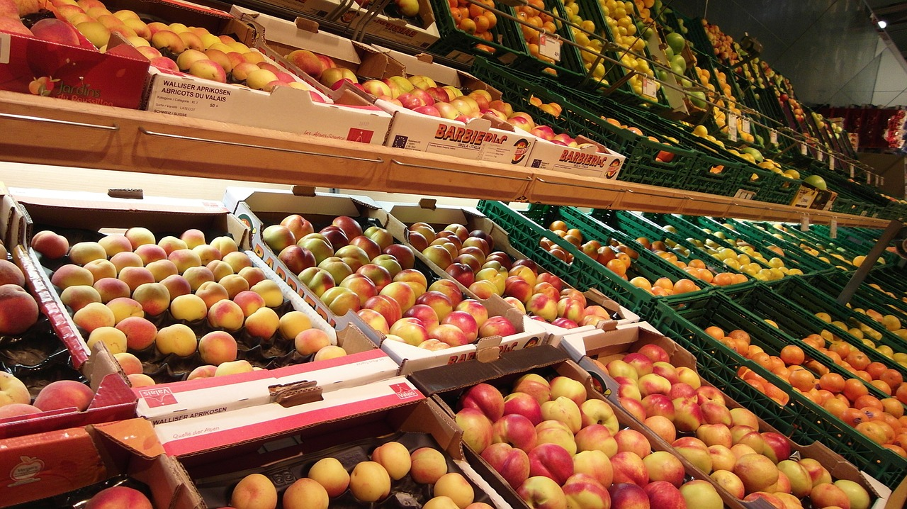 peaches fruits sale free photo