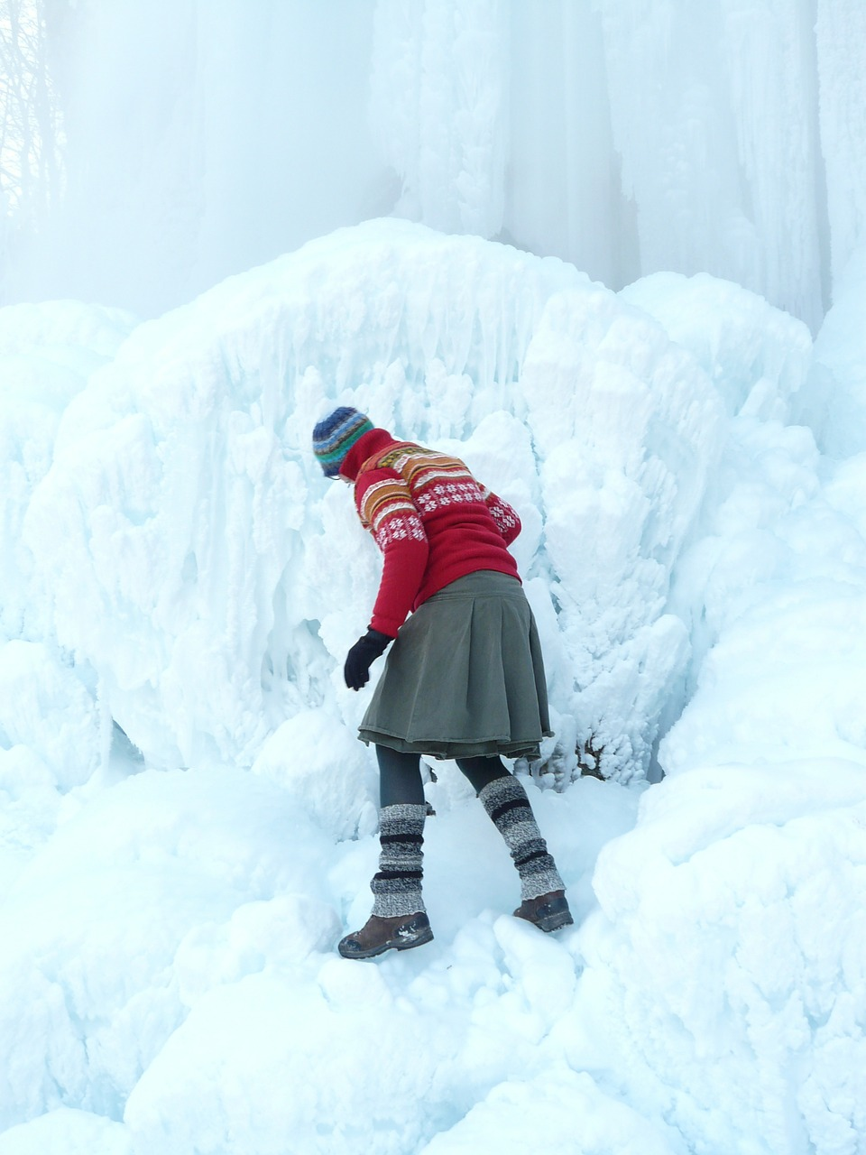 person,ice,run,human,woman,slippery,ice formations,risk,block of ice,winter,caution,climb,free pictures, free photos, free images, royalty free, free illustrations, public domain