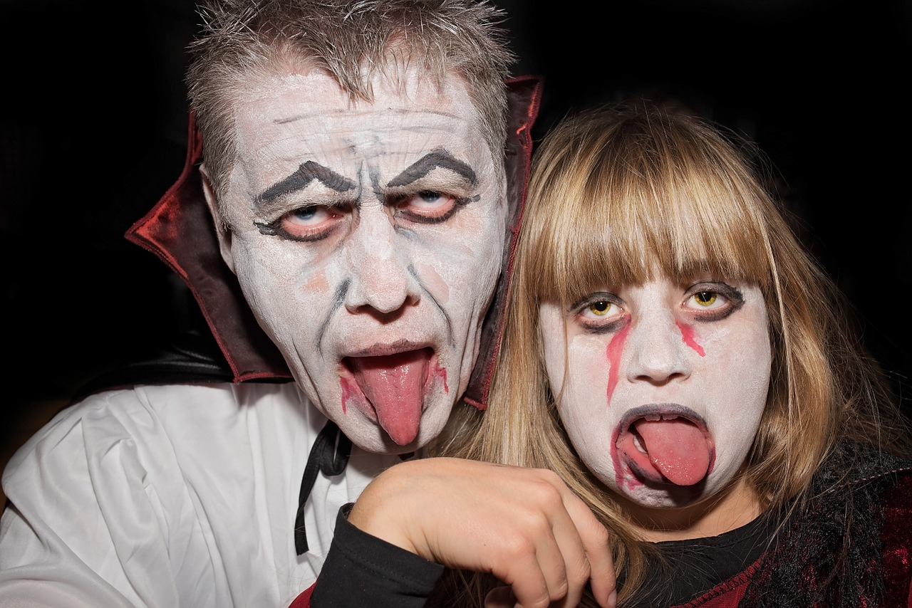 personal,human,helloween,carnival,creepy,faces,vampire,portrait,close,free pictures, free photos, free images, royalty free, free illustrations, public domain
