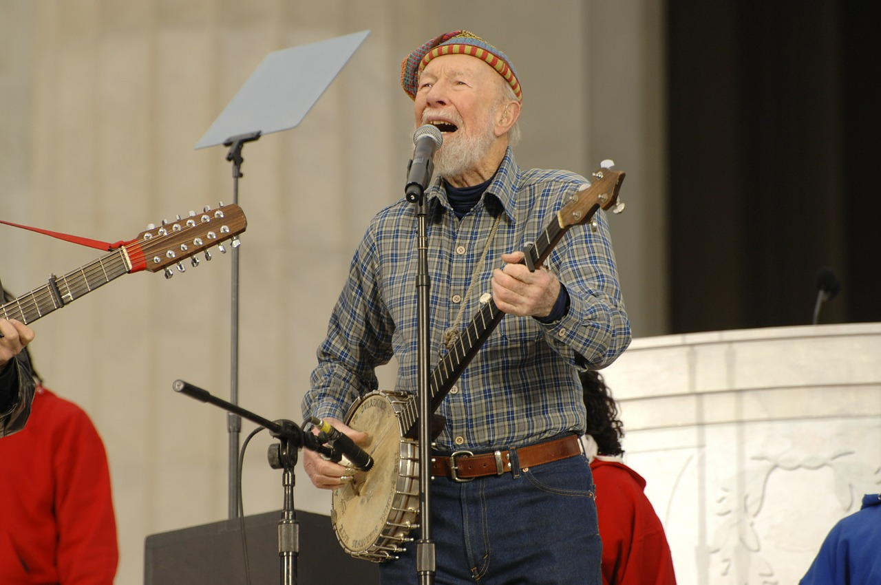pete seeger folk music entertainer free photo