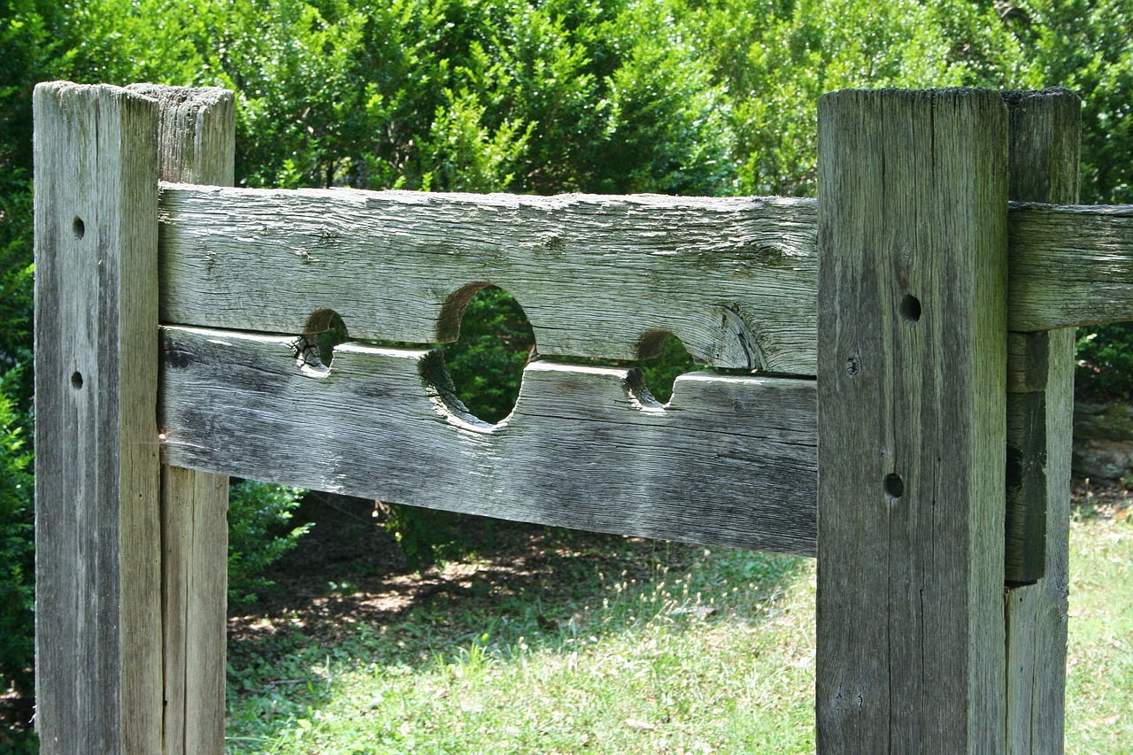 pillory device punishment free photo