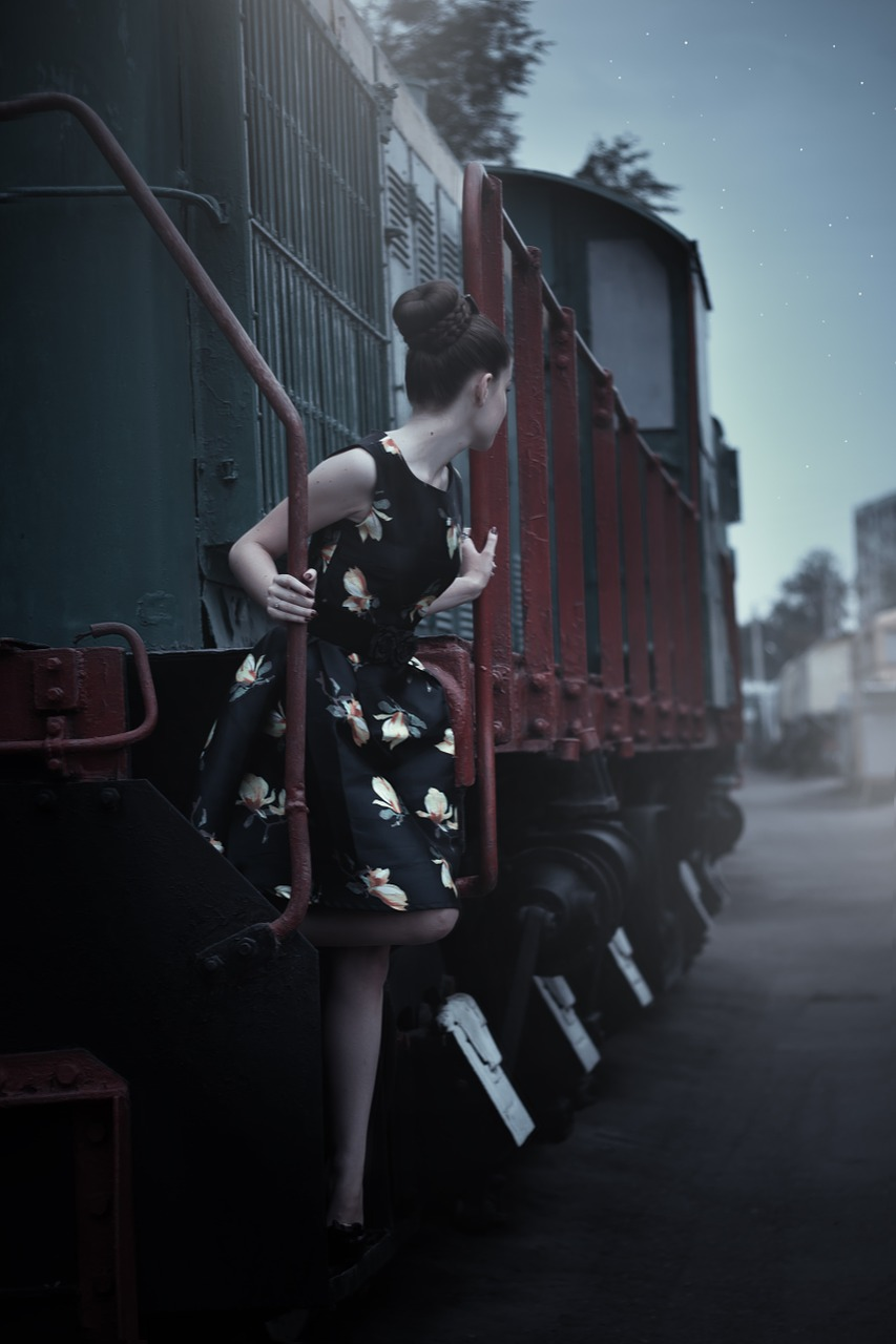 pin up girl,retro,girl,fashion,dress,queen,woman,beautiful,photo,costume,photographer,handsomely,hairstyle,train,railway carriage,youth,model,long hair,portrait,view,beauty,magazine,partly cloudy,style,photoshoot,emotions,female,posture,free pictures, free photos, free images, royalty free, free illustrations