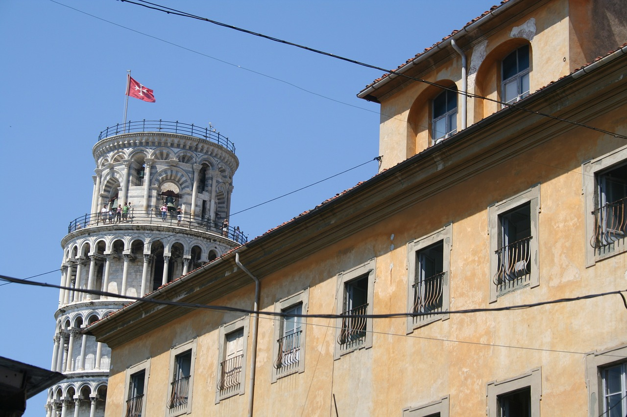 pisa italy leaning free photo