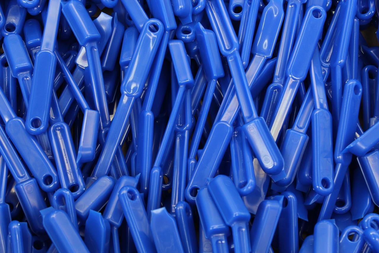 Plastic, industry, production, building blocks, brushes - free image from  needpix.com