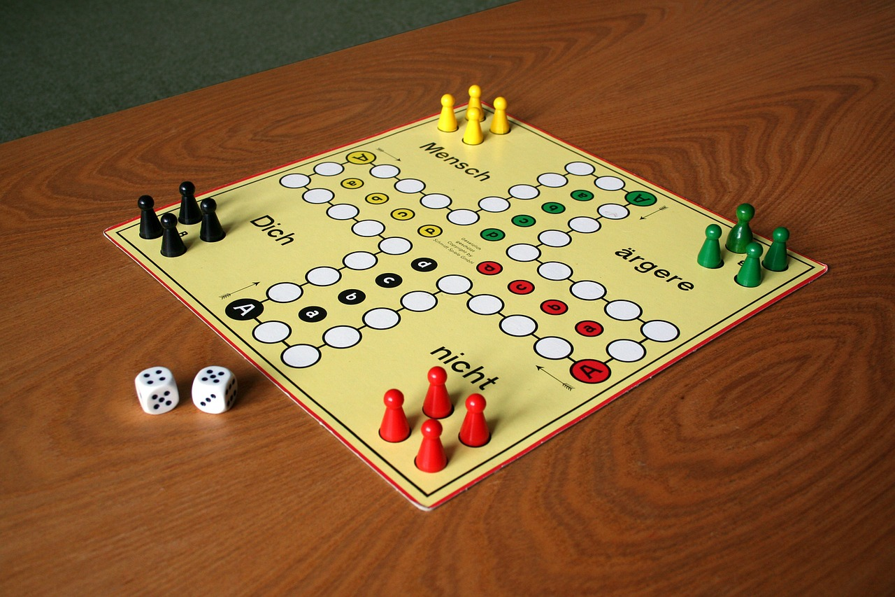 play parchesi up not gesellschaftsspiel free photo