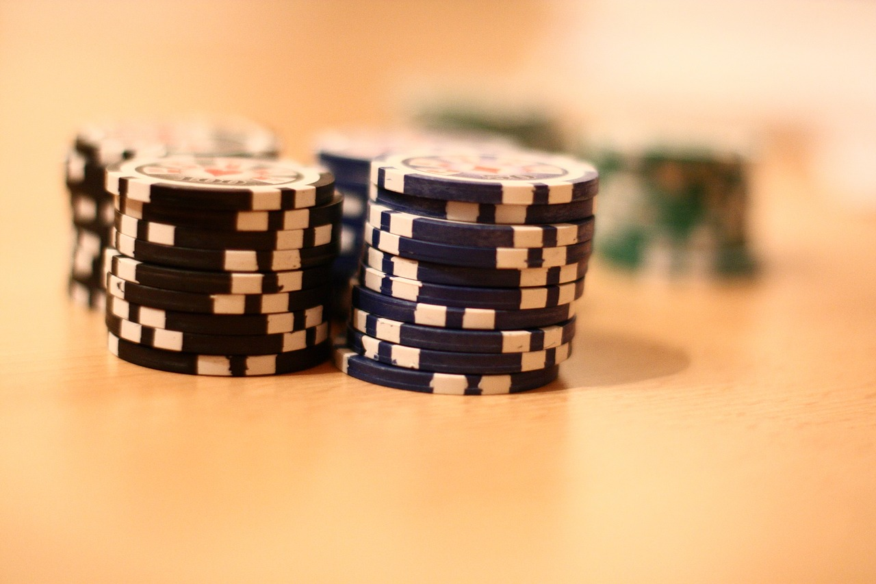 poker  poker chip  play poker free photo