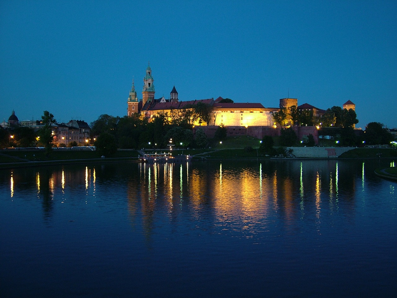 poland krakow night free photo