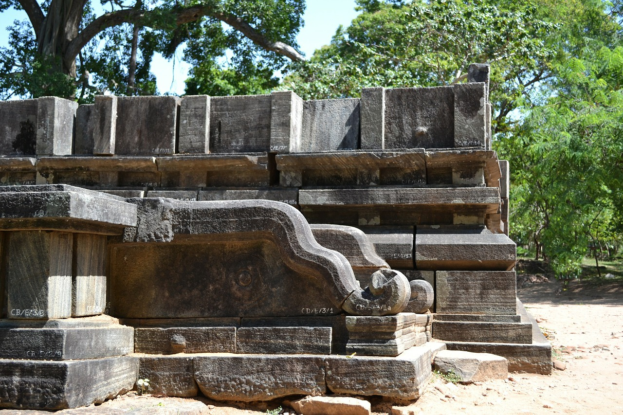 polonnaruwa ancient ruins ancient free photo