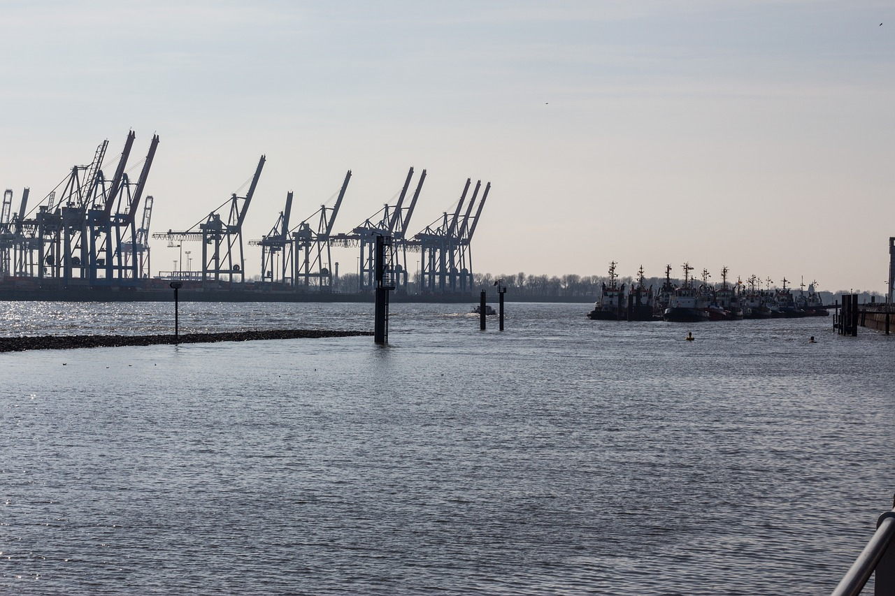 port hamburg elbe free photo