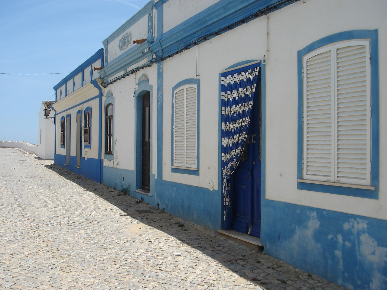 portugal blue shutters free photo