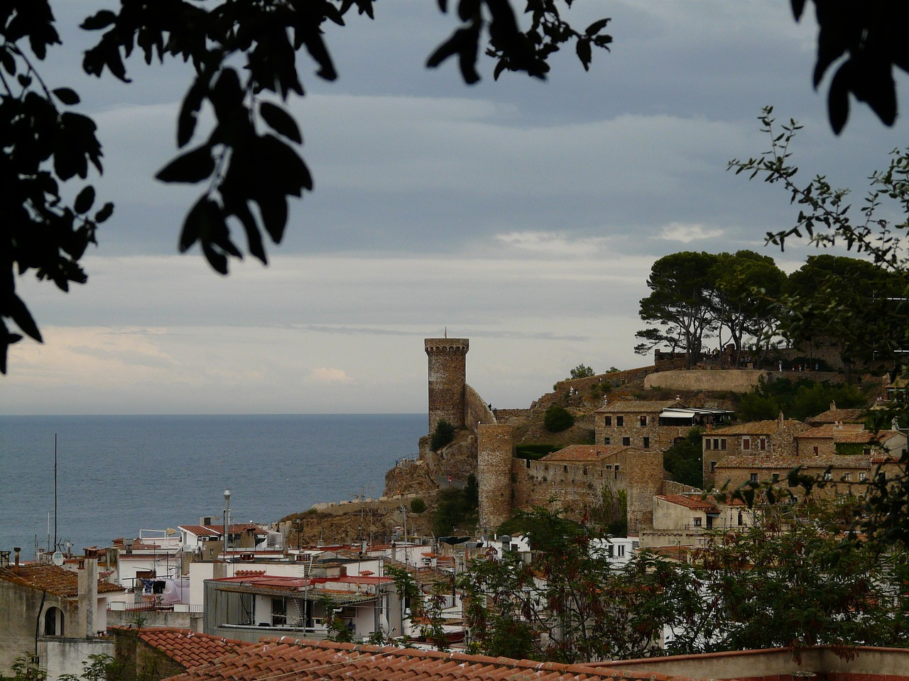 postkartenmotiv tossa de mar spain free photo