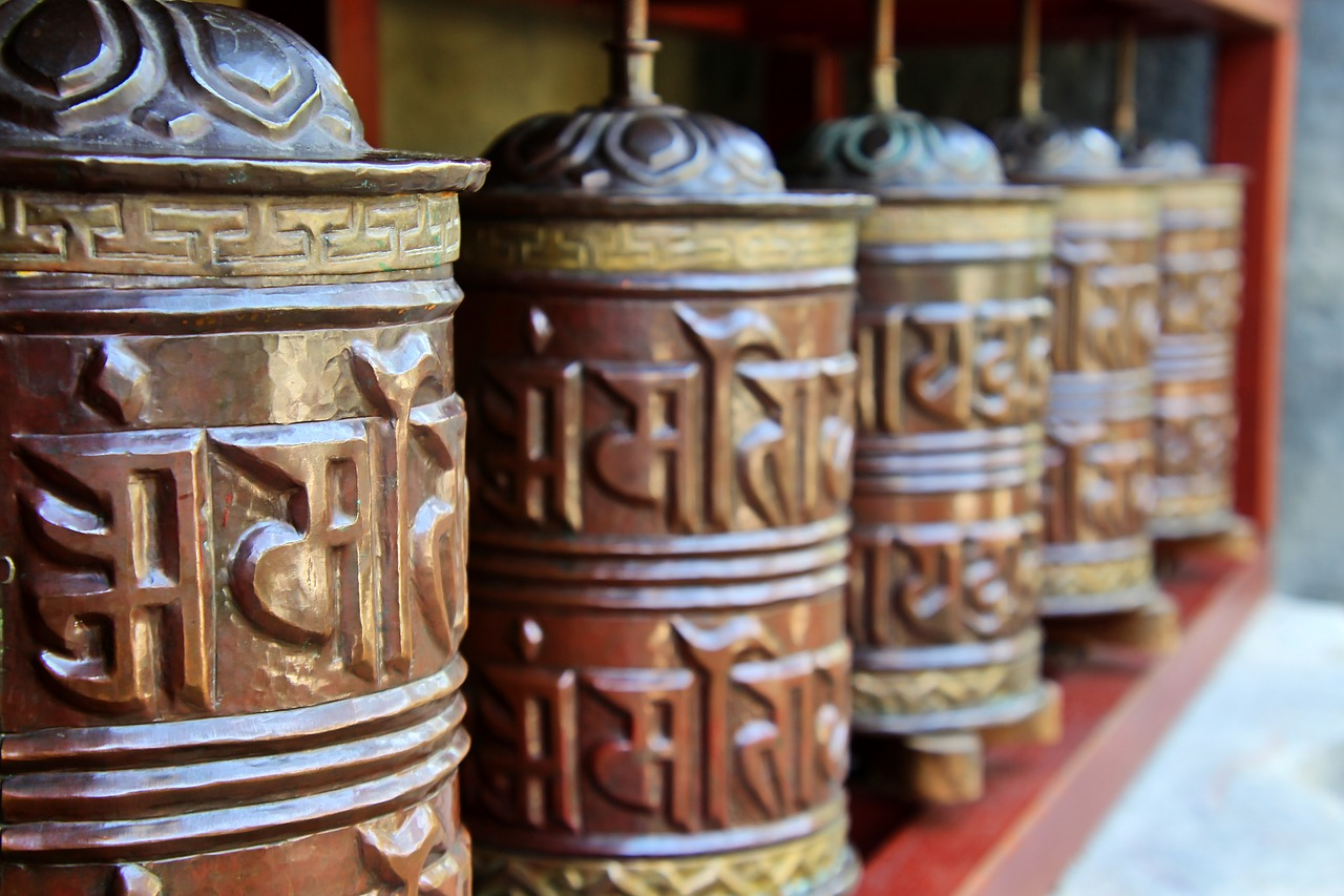 prayer wheels  mantra  metal free photo