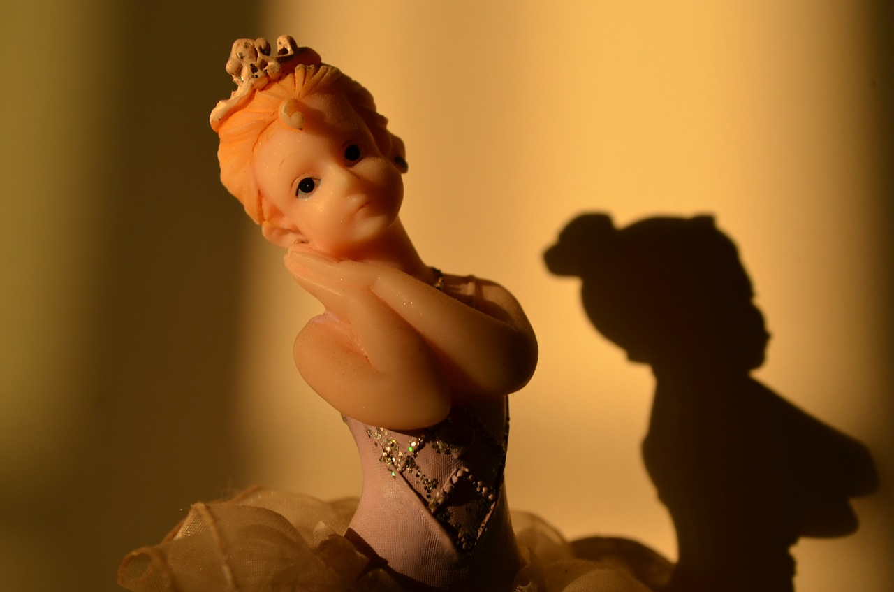 princess toy statue free photo