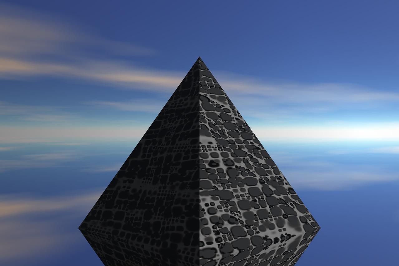 Днем рождения, открытки пирамиды