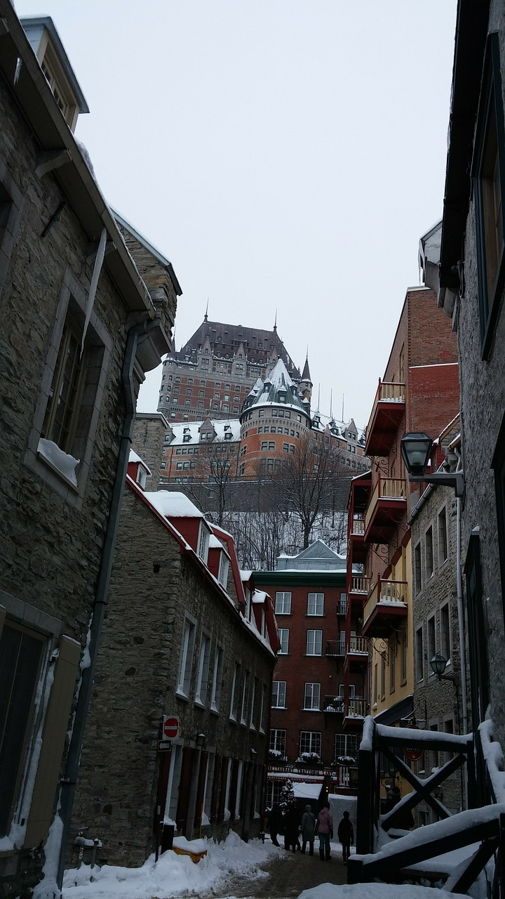 quebec,quartier petit champlain,quebec city,canada,building,hotel,old building,free pictures, free photos, free images, royalty free, free illustrations, public domain