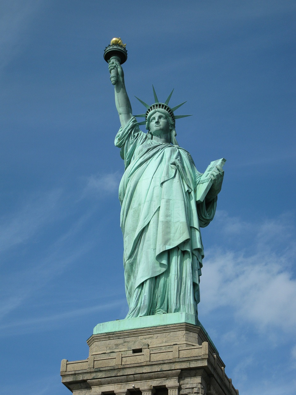 queen of liberty statue of liberty new york free photo