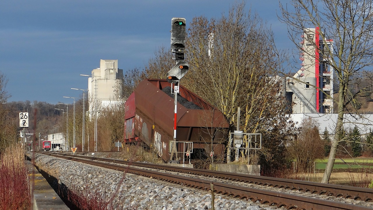 railroad mishap buffer stop kohlezug free photo