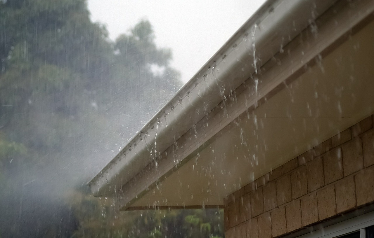 Rain,water,roof,gutter,storm - free image from needpix.com