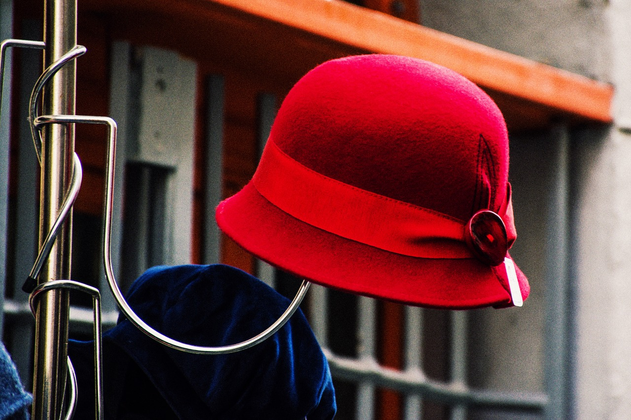 red  hat  street free photo